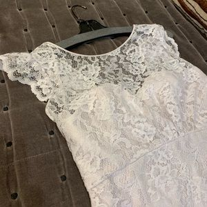 Amsale lace mermaid gown — never worn!